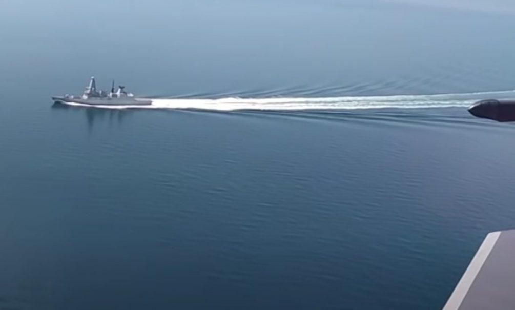 ФСБ показала видео со стрельбой по британскому эсминцу, перепутавшему РФ с Украиной