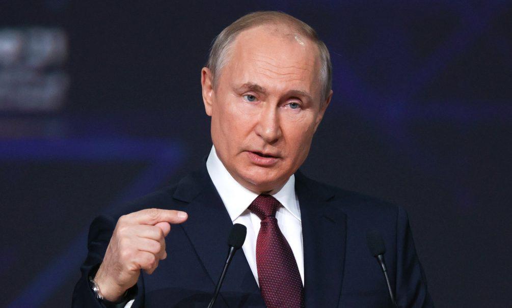 Путин приказал посмертно наградить разбившихся в Турции россиян