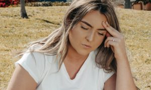 Ученые назвали 5 редких признаков раннего слабоумия уже в 40 лет