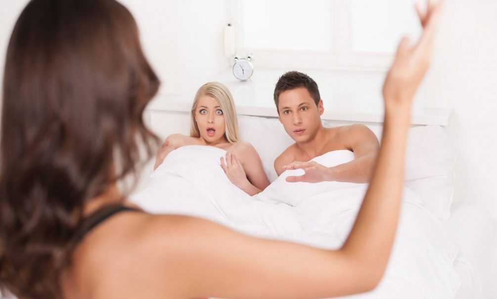 Как сохранить отношения после измены рассказал психолог