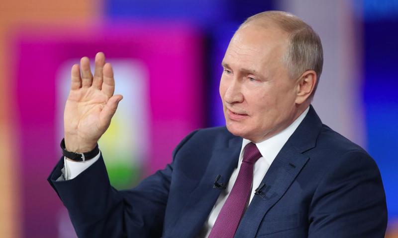 «Есть три Путина»: эксперты оценили прямую линию с главой государства