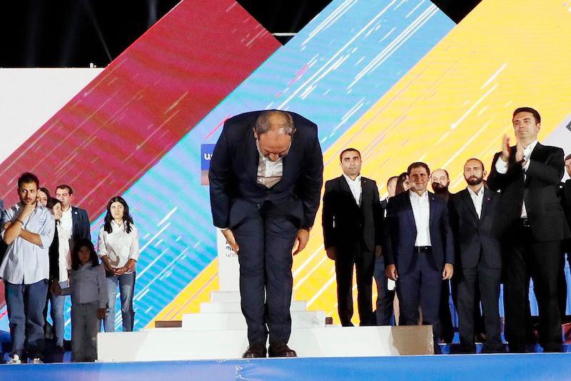 В Армении выборы выиграла партия и. о. премьер-министра Никола Пашиняна