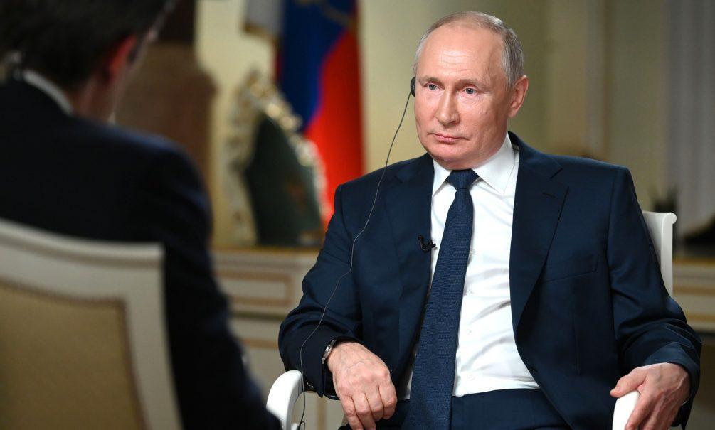«Обманули дурачка на четыре кулачка»: Путин о Горбачёве и НАТО
