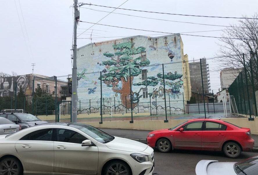 В Ростове в Год спорта решили продать школьную спортплощадку под застройку