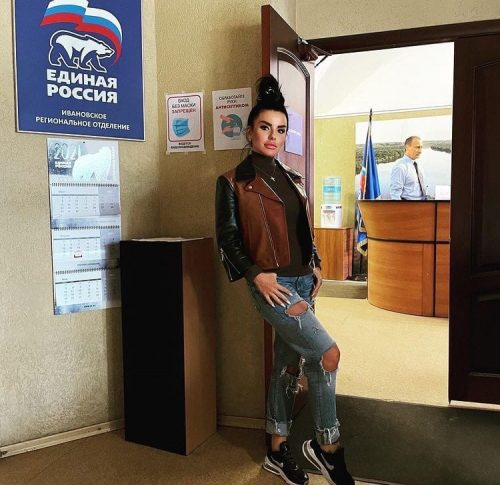 Ксения Собчак высмеяла Юлию Волкову за незнание законов