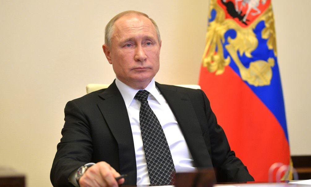 Путин продлил льготную ипотеку для семей с детьми