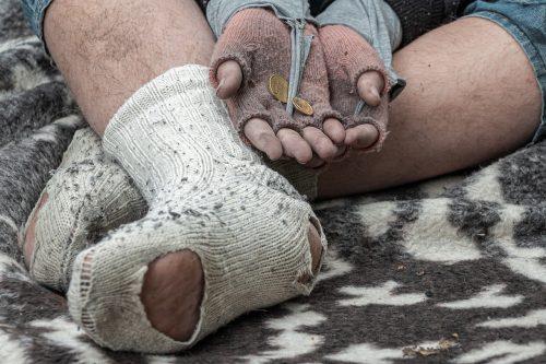 Пандемия жадности: кто озолотился во времена всеобщей беды