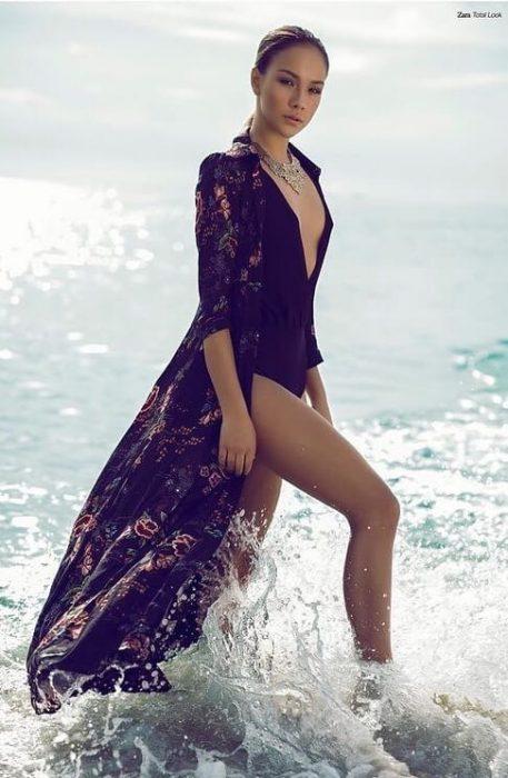 Пользователи Сети нашли откровенные фотографии победительницы «Холостяка» Екатерины Сафаровой до увеличения груди