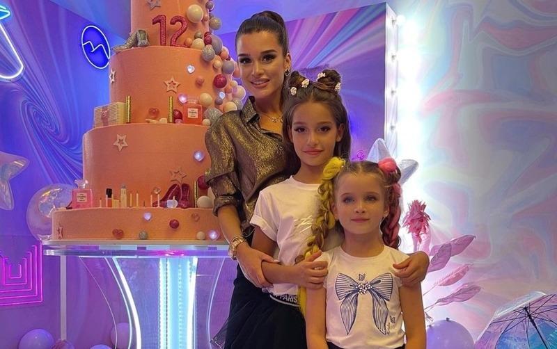 С подругами, но без мужа: Бородина устроила вечеринку в честь дня рождения дочери