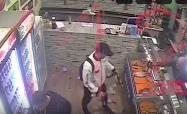 Житель Подольска разгромил магазин и бесплатно раздал пиво