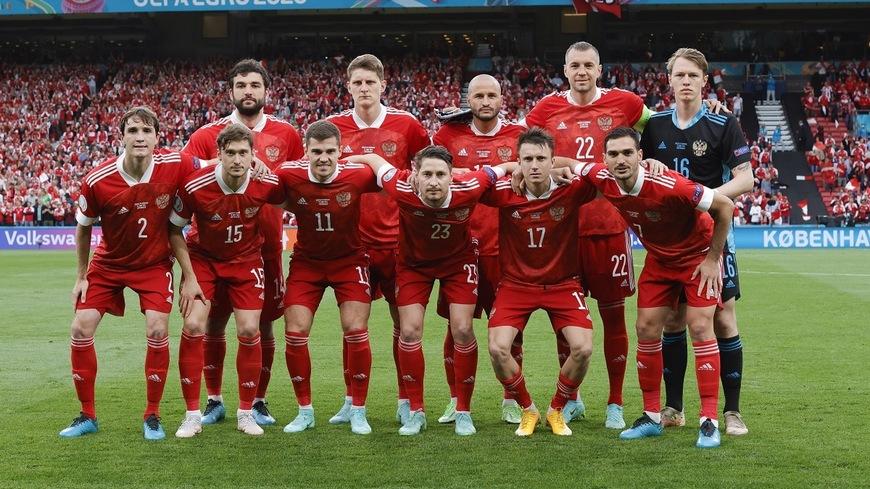 «Миллионеры выходят на поле рубить бабло»: российских футболистов предложили штрафовать за плохую игру