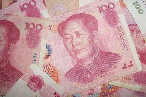 Экономисты рассказали россиянам, стоит ли избавляться от долларов