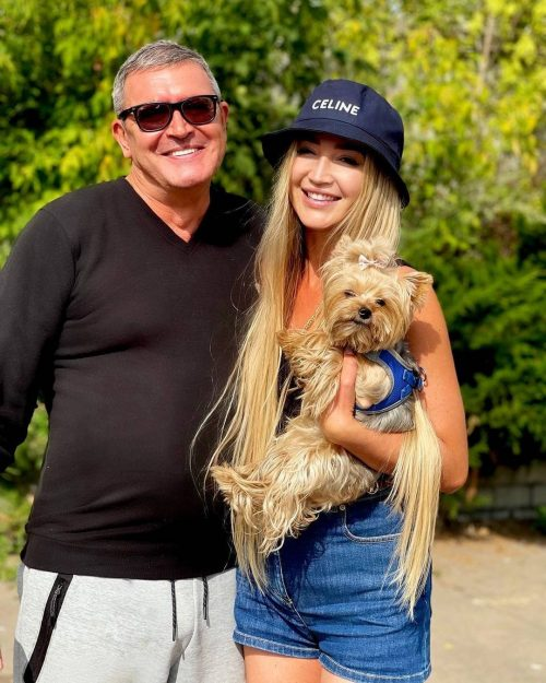 Бузова сделала отцу зубы после критики хейтеров