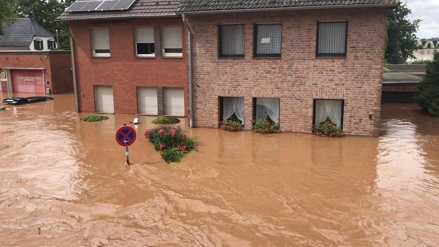 Настоящая катастрофа: Германия уходит под воду