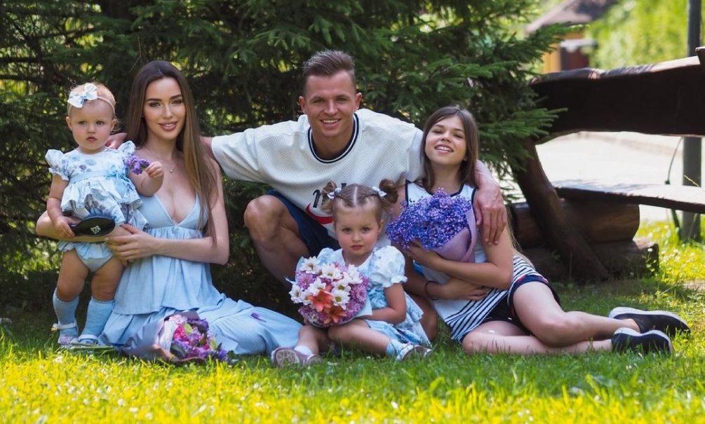 Тарасов взял на воспитание дочь от первого брака после скандала с алиментами