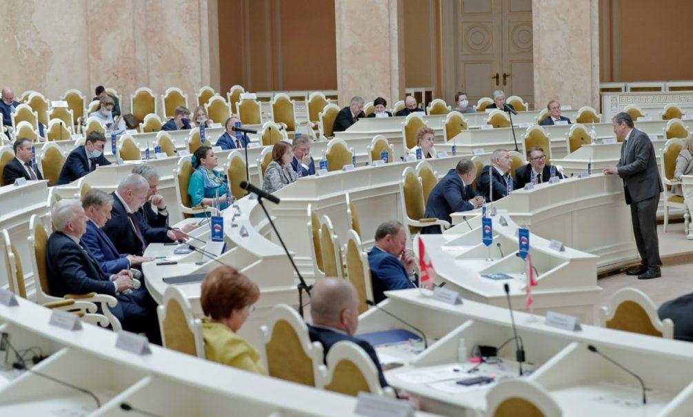 Неприятные итоги работы петербургского Законодательного Собрания