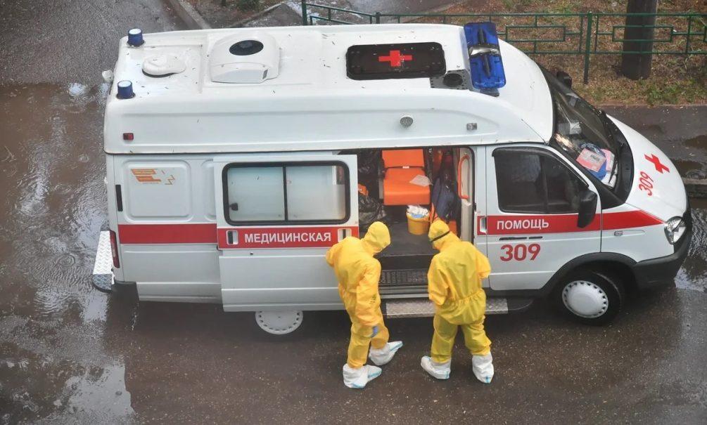 Британские врачи объяснили, почему от ковида умирают даже дважды привившиеся пациенты