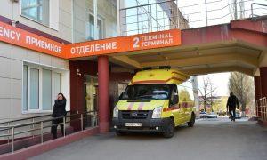 В России несколько вакцинированных человек умерли от ковида. Власти объяснили, в чем причина