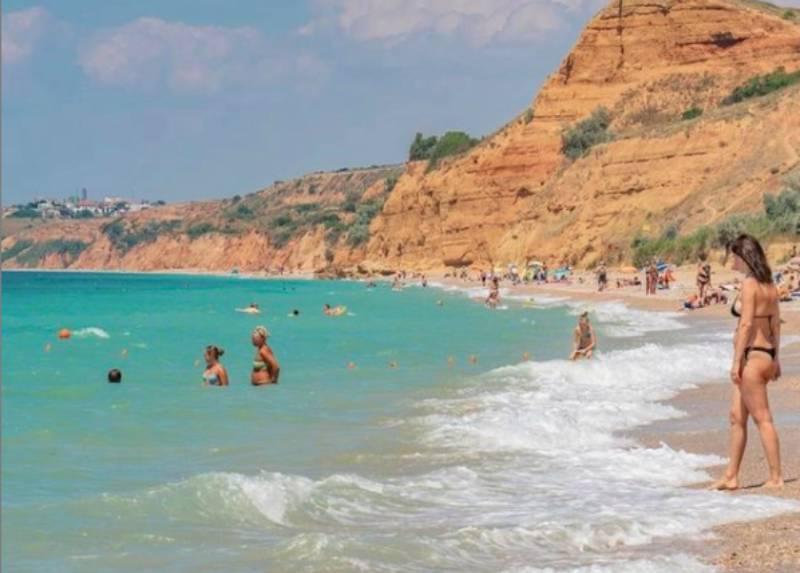 Севастополь смягчил правила для непривитых туристов