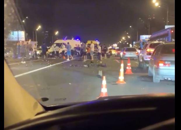 Лобовое столкновение в Москве унесло жизнь водителя, который уснул за рулем