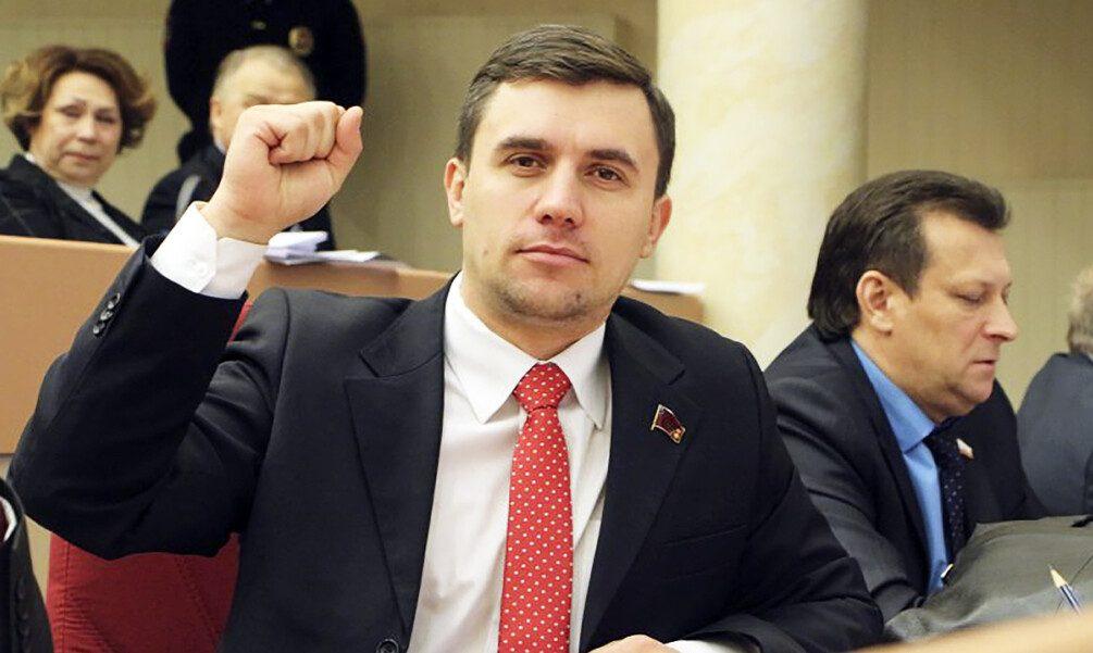 Депутат- коммунист Николай Бондаренко заявил, что его снимают с выборов за экстремизм