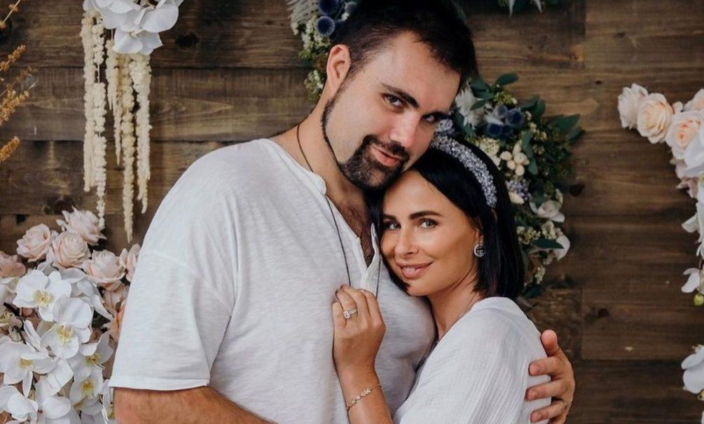 «Выгнала Дэна в его берлогу»: экс-солистка «Демо» пожаловалась на кризис в браке