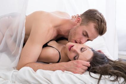 Медик рассказал, почему секс в жару опасен для здоровья