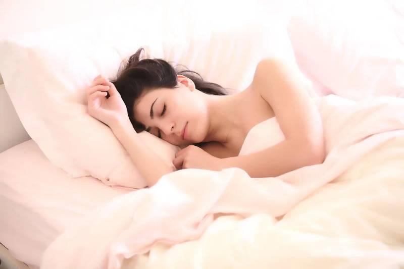 Эксперт назвала супер-продукт, который сжигает жир, пока вы спите