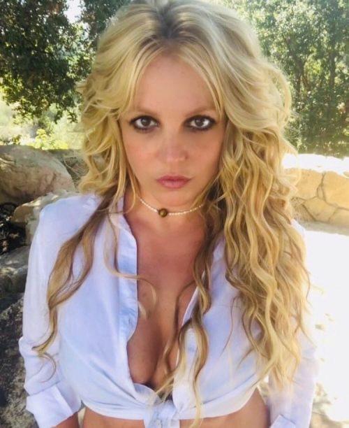 Бритни Спирс заявила, что не будет выступать, пока отец является её опекуном