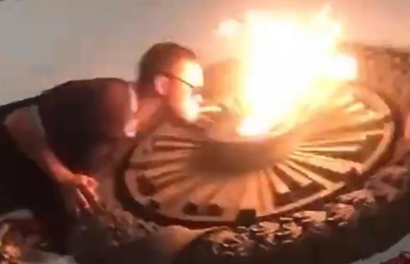 Севастопольские подростки прикурили от Вечного огня и попали под статью