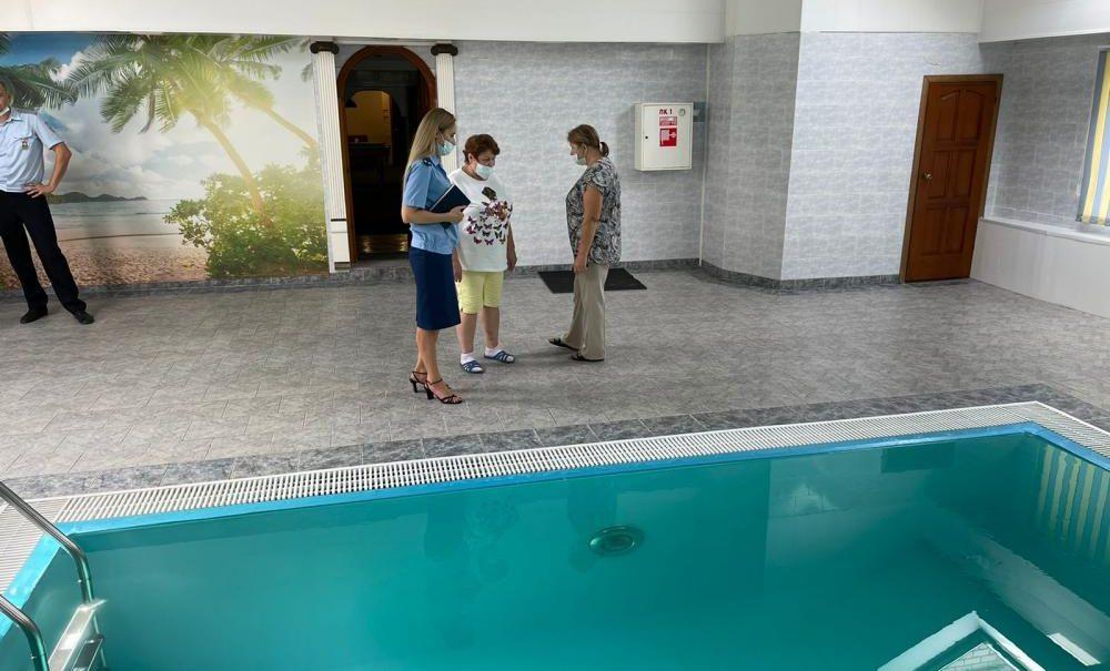 В бассейне Тольятти массово отравились дети