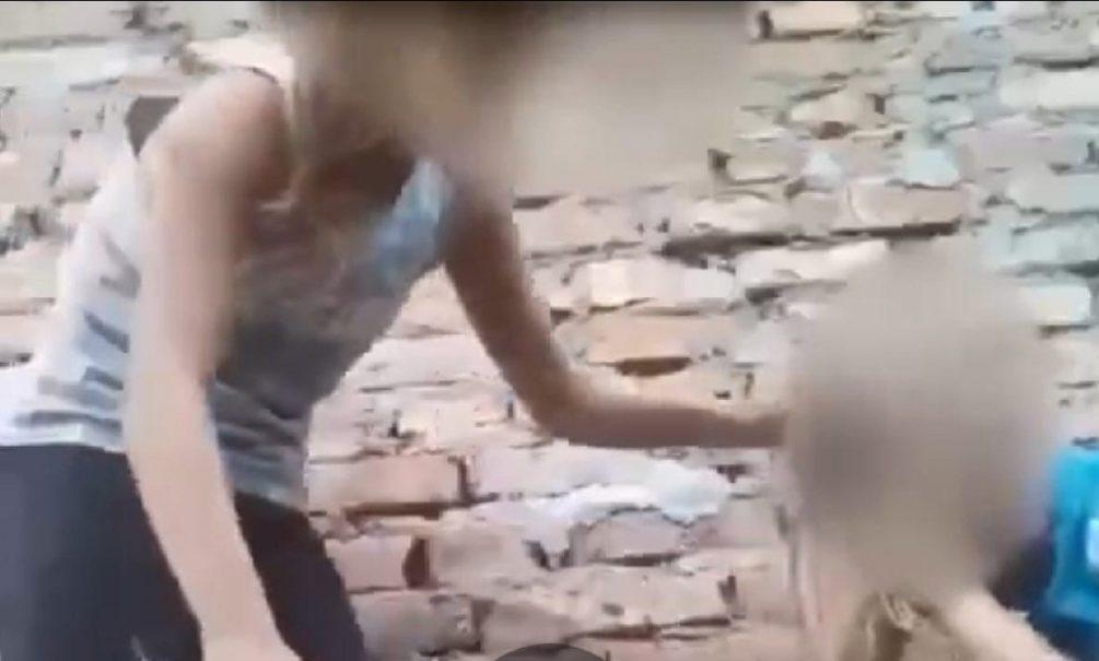 В Ростовской области школьница несколько недель избивала девушку с инвалидностью