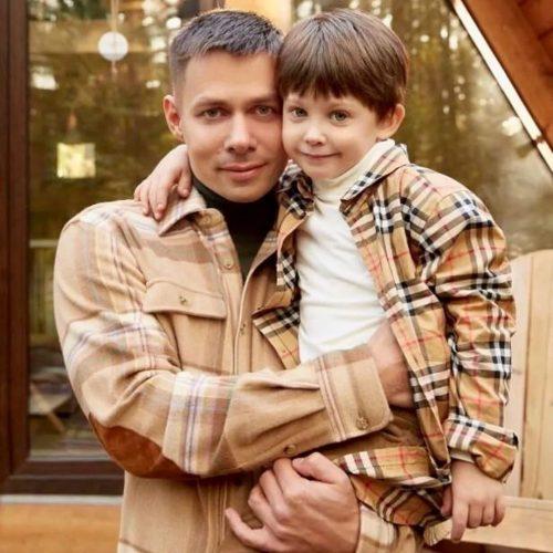 «Проходит физическую и психологическую реабилитацию»: Пьеха о состоянии избитого сына