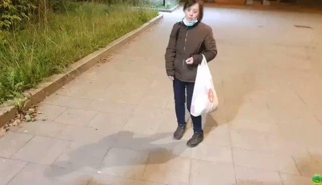 """""""Женя, давай, заливай ее перцем"""": в Москве трэш-стримеры распылили  баллончик в лицо женщине"""