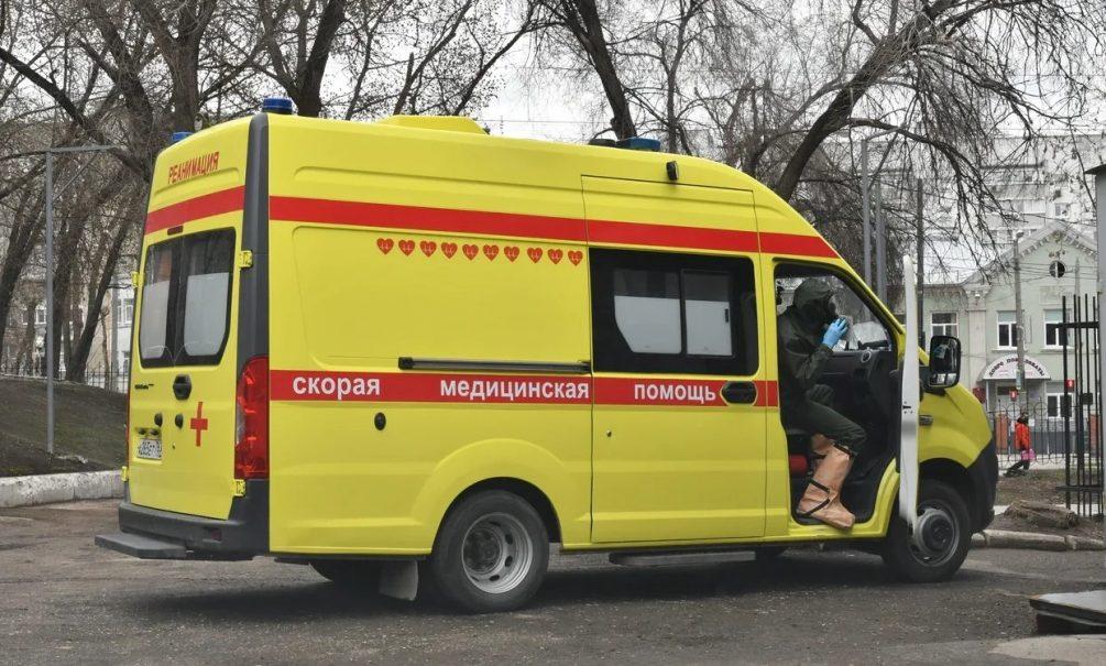 «Дозвонились вполиклинику с72 раза»: из-за стремительного роста пациентов с covid-19 россияне немогут вызвать врача надом