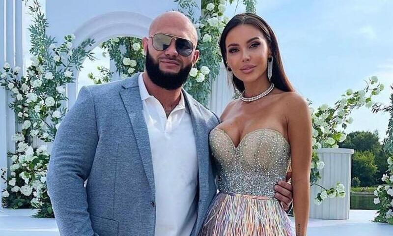 Потратила не один миллион: Самойлова подарила Джигану цепь, усыпанную бриллиантами