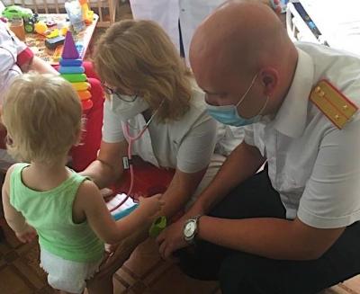 Двухлетнего волгоградца медсестры заперли в палате и оставили играть с фекалиями