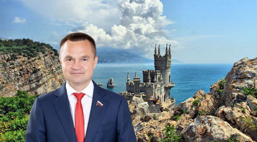«Крым наш, а Сбербанк чей?»: депутат ГД Казанков о непризнании полуострова корпорациями