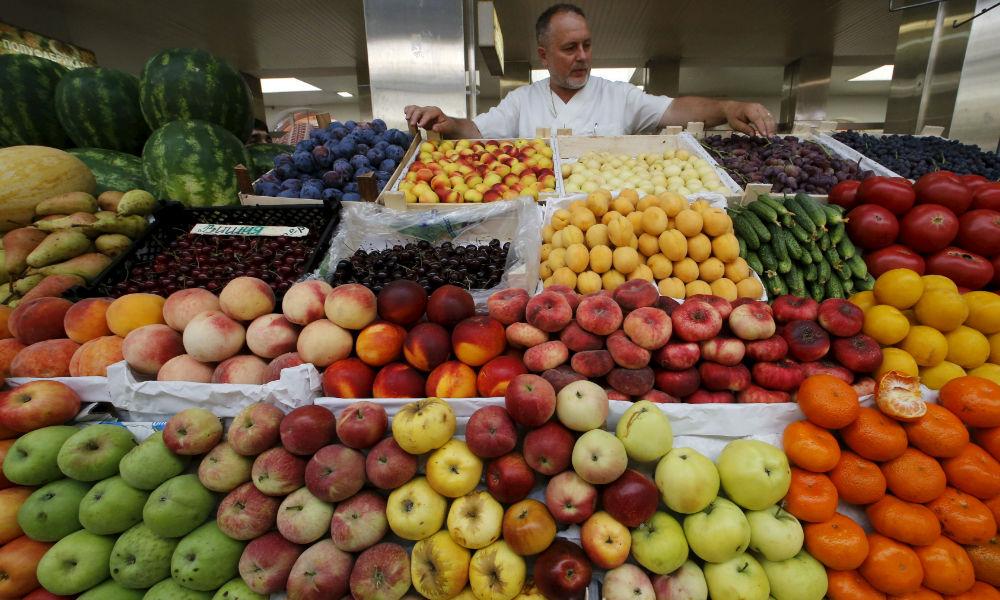Путин поручил увеличить ввоз продуктов из стран СНГ