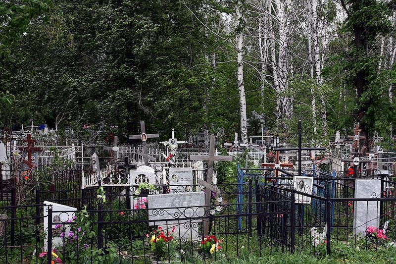 В России обнаружили нестыковку: данные по похоронам не совпадают с официальной смертностью