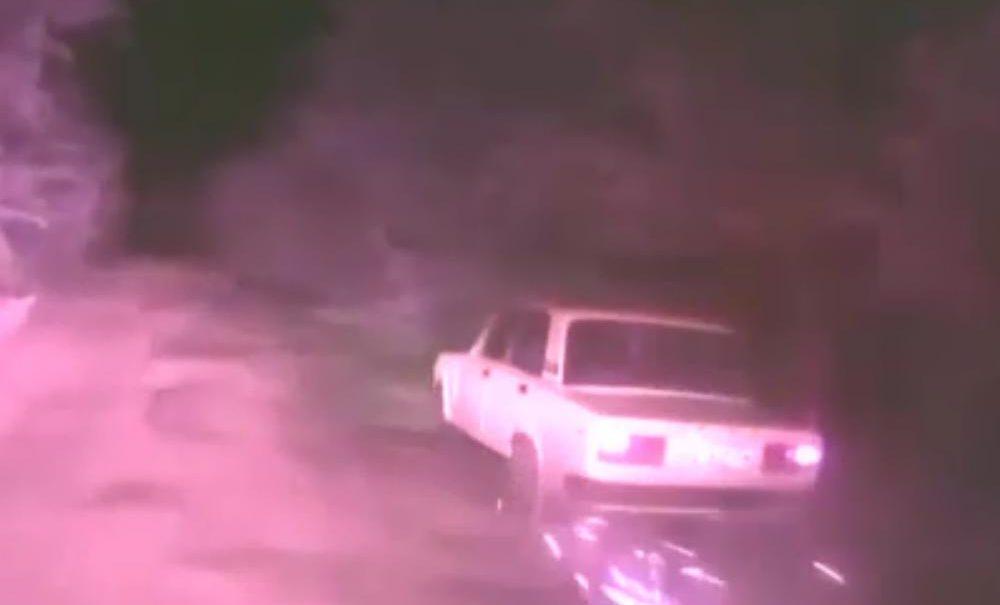 """Полицейскую погоню со стрельбой за бешеными """"Жигулями"""" сняли на видео в Саратовской области"""
