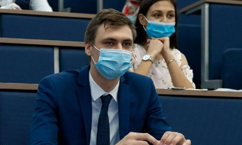 В Минобрнауки ответили на волнующий всех студентов вопрос об обязательной вакцинации