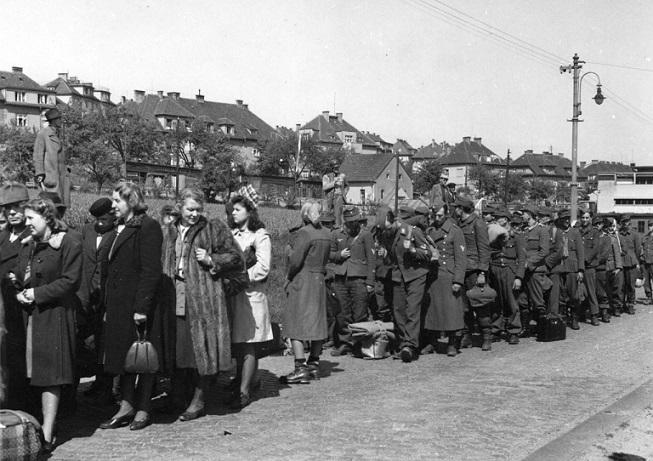 В России опубликовали документы о жестокой депортации немцев из послевоенной Польши