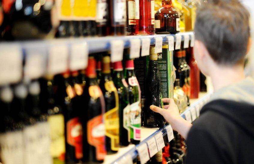 В каких регионах России запретили продавать алкоголь 1 сентября