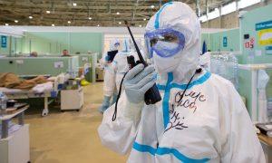 Десятки тысяч в день: зимняя волна ковида будет страшнее прошлогодней, считают медики