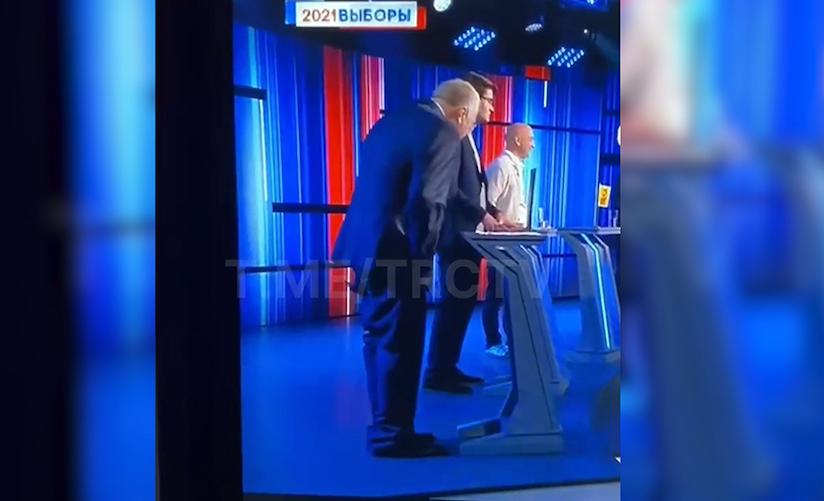 Жириновский едва не остался без штанов во время теледебатов
