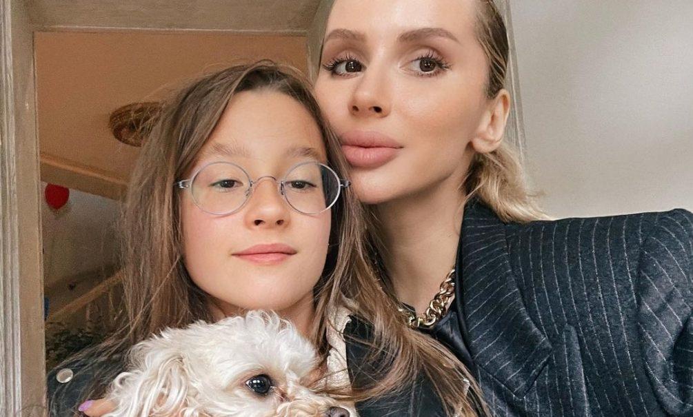 Переехавшая в Европу Светлана Лобода оставила дочь жить с бабушкой в Москве