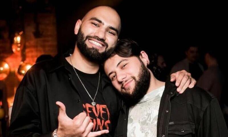 «Если сядет на лицо моему другу, то тогда будет фото»: HammAli&Navai оскорбили свою фанатку