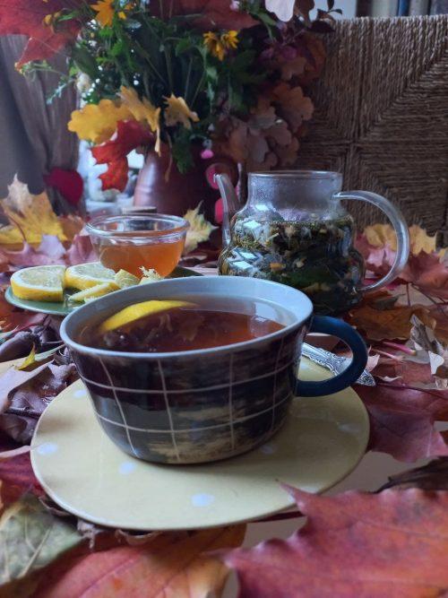 Антонина Верчёнова с удовольствием консультирует друзей и родственников по поводу того, какой чай лучше пить, чтобы организм восстановился после ковида