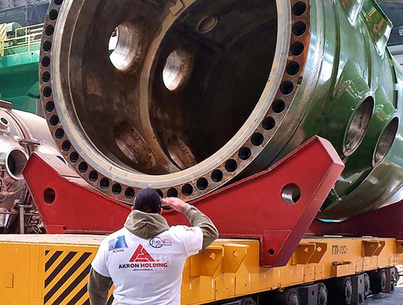 Донские силачи решили сдвинуть с места атомный реактор весом 450 тонн